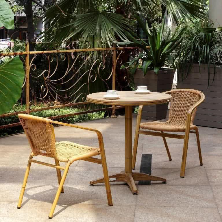 Комплект обеденный из ротанга 006 (стол + 2 кресла)